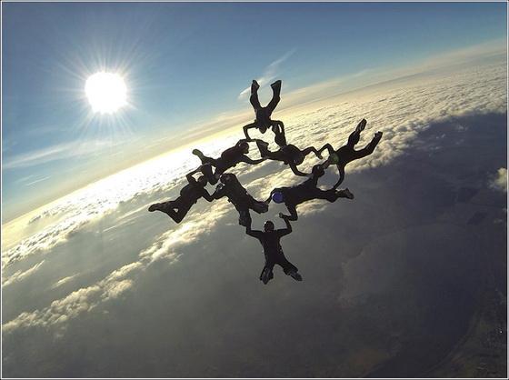 Прыжок с парашютом голой